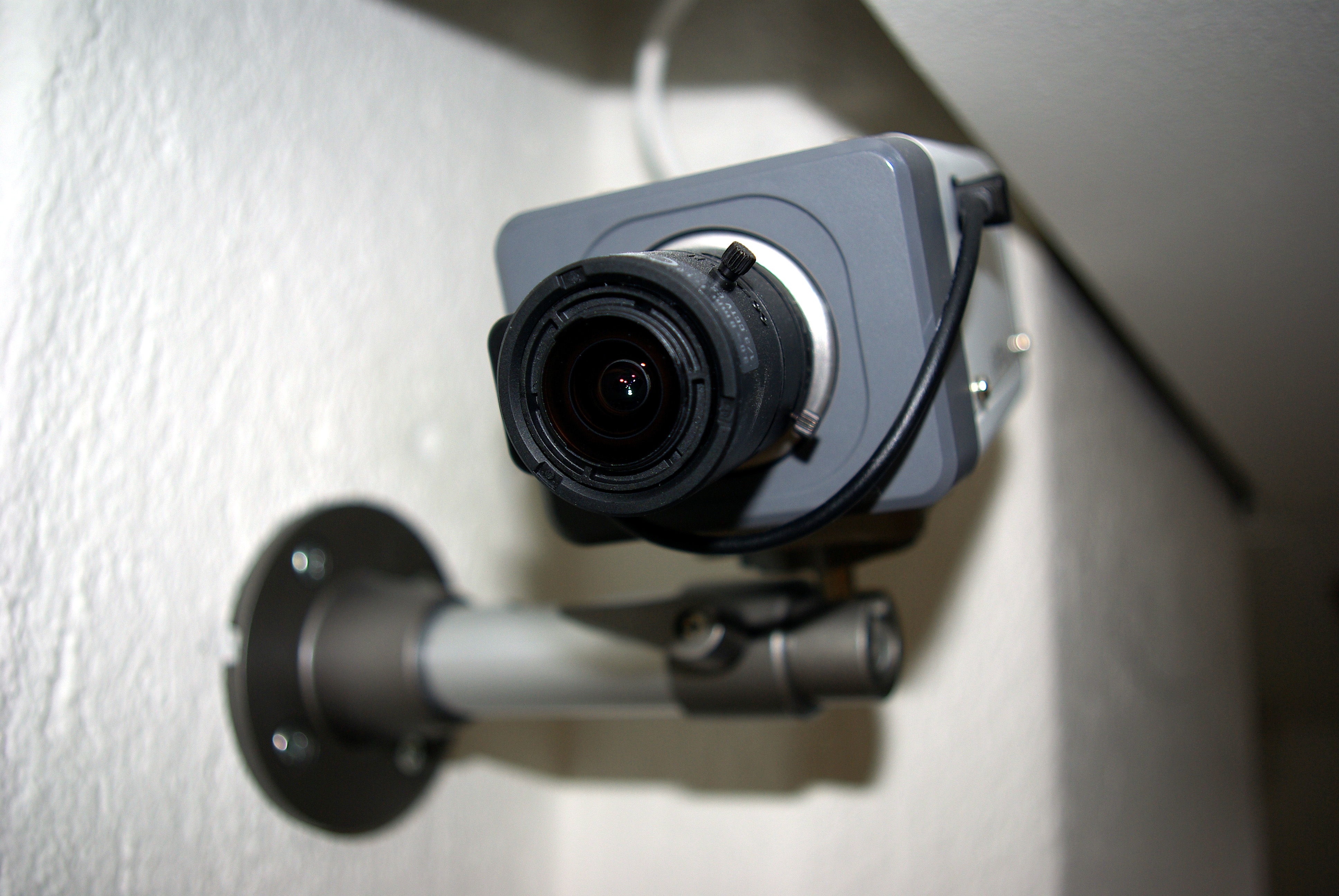 Rekordmanga vill overvaka med kamera