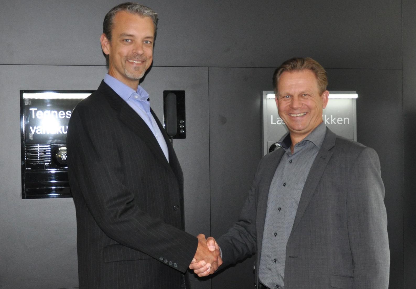 N�jda med partnerskapet. Marcus Segerdahl, Business Area Manager f�r Contal Security, och Per Thomsen, vd f�r Siedle Nordic.